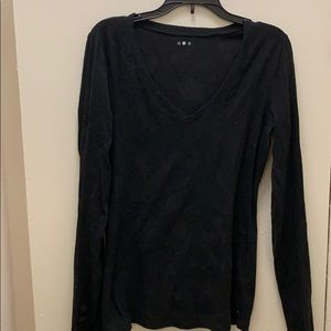 V neck long sleeve tee shirt